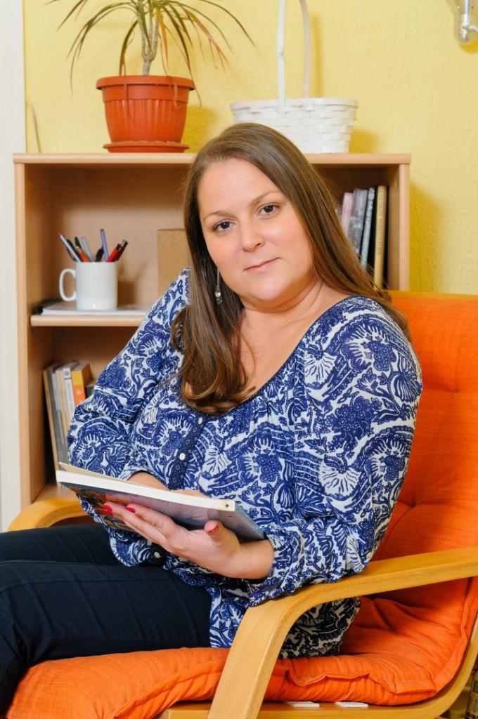 Jasmina Mihnjak - - savetnik u oblasti pre i perinatalne psihologije